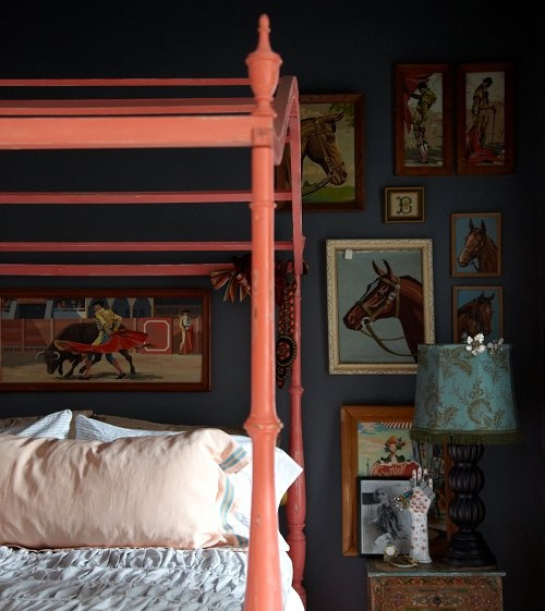 Love the paint-by-numbers horses on the wall.