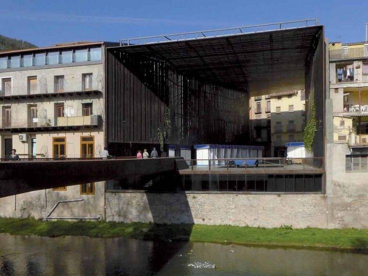 """Театр """"La Lira"""" многофункциональное пространство под открытым небом"""