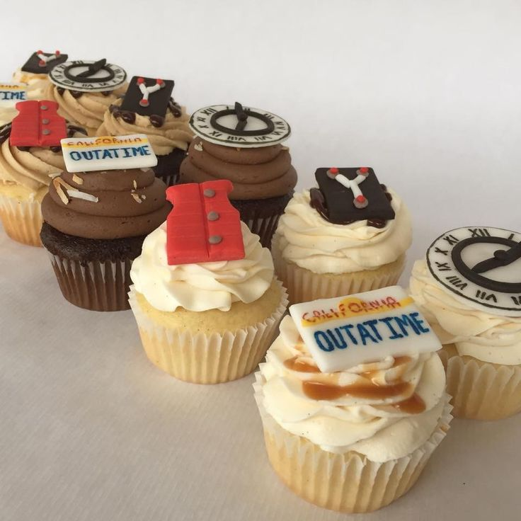 Back to the Future themed cupcakes, outtatime, flux capacitor, clocktower, life vest, Marty