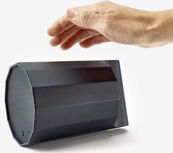 Hand gesture controlled Rumble speaker » Design You Trust