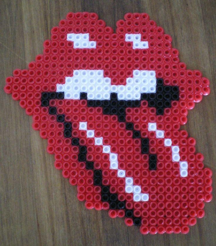 http://cartulina.es/perler-beads-ideas-creativo-pasatiempo/ Diseño hama beads - símbolo de Rolling Stones