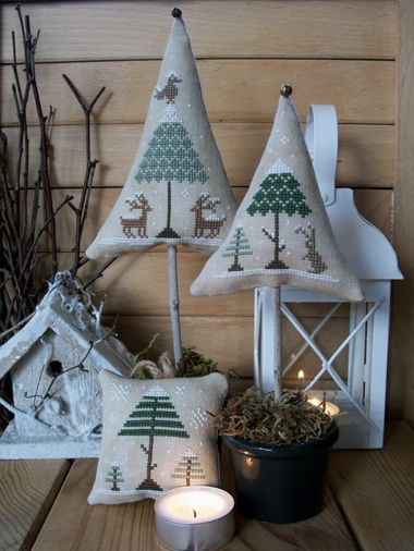 The Little Stitcher: Winter Wood - and even the little trees with just the bell or star would be nice...