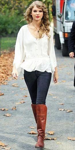 taylor swift leggins blusa y jersey con botas cafes :D