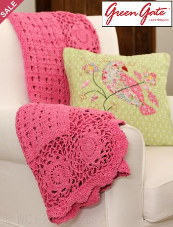 Pink crocheted blanket