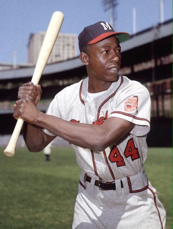 Pin By Moreilly On Baseball In Color Hank Aaron Baseball Players Braves