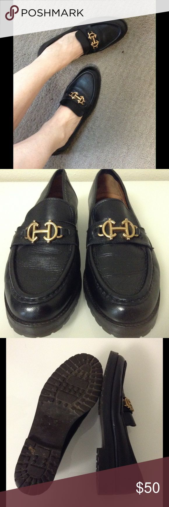 COLE HAAN Loafers Italian Chic w/ Black Lug Sole 8 Super stylish Cole Haan loafers that are part preppy & part jetsetter. In really great condition for vintage. They seem like they've been well cared for. The fit and vibe remind me of the classic, effortless Italian glam of Gucci horse-bit loafers. Just slip on your Sophia Loren-fabulous oversized shades, add a Vespa, have some of the hot local eye-candy hop on back, and off you go to live la fashionable dolce vita!! Save 30% automatically…