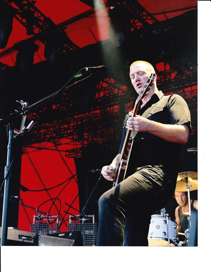 Queens of The Stone Age Josh Homme Signed Jamming on Guitar 8x10 | eBay