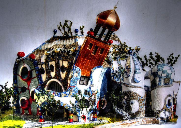 Abensberg, kuchlbauer's kunsthaus - so soll's mal aussehen (bild des fertiggestellten kunsthauses, neben der baustelle) - StockPholio.com | Free Stock Photos