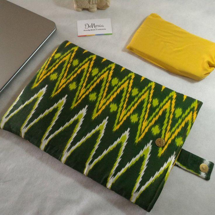 Green DeNesia's Ethnic Tenun Rangrang Laptop Sleeve | Sarung Latop Batik | LS10