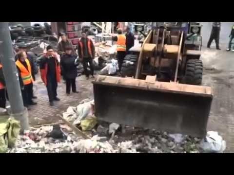 Наведение порядка и стройка стены на Хрещатике