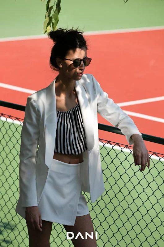 #DANI Abbigliamento  #danishop    Outfit ricercato per essere elegantemente disinvolta in ogni situazione :)    Con DANI hai la possibilità di creare il tuo outfit completo con meno di 50 euro.    www.danishop.it    #lowcost #shopping #fashion #donna #abbigliamento