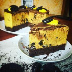 Холодный чизкейк с брауни и Орео Я вернулся из Сингапура (фотки смотрите в @andy_daybook) и приготовил для вас отличный, весенне-летний десерт. Знаю, что вы очень любите что-то простое, особенно, если это готовится быстро и с минимумом телодвижений. За этот холодный чизкейк вы мне долго будете спасибо говорить!! Здесь у нас чисто американские архетипы. Как вы...