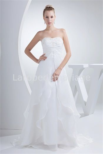 Robe de mariée A-ligne ornée d´appliques en satin et organza à traîne balayée € 183.99
