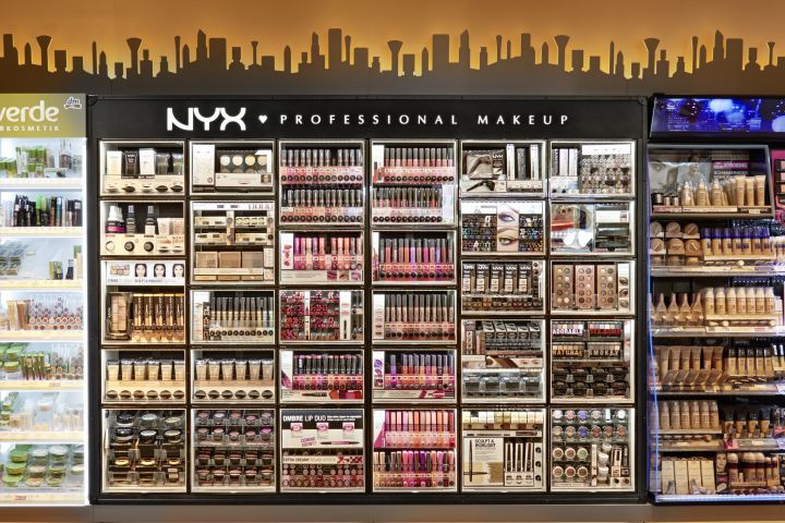 NYX cosmetic bar by ARNO Europe wide concept
