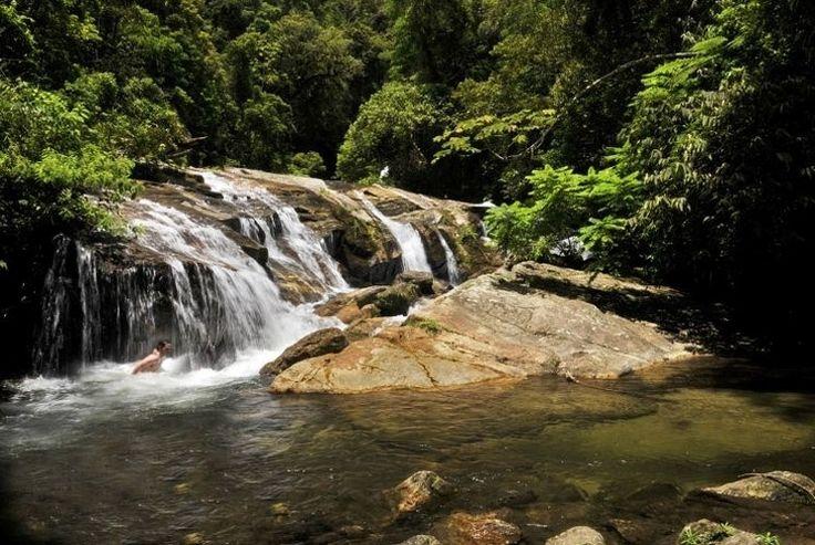 As cachoeiras também são uma das atrações de São Sebastião. A Ribeirão de Itu, em Boiçucanga, é acessada após o visitante percorrer uma trilha de 40 minutos em meio à Mata Atlântica.  Fotografia:Guilherme Andrade / UOL.