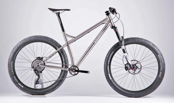 Jeronimo_Ti-MTB-27-5-Plus_custom-titanium-hardtail-trail-mountain-bike_complete-driveside