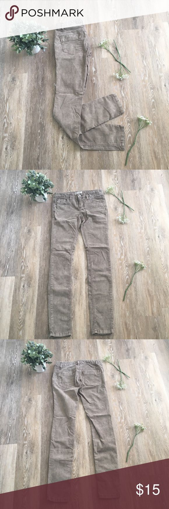 Free People Jeans Corduroy jeans from Free People are a fun addition to any fall or winter wardrobe 🍂 Free People Jeans Skinny
