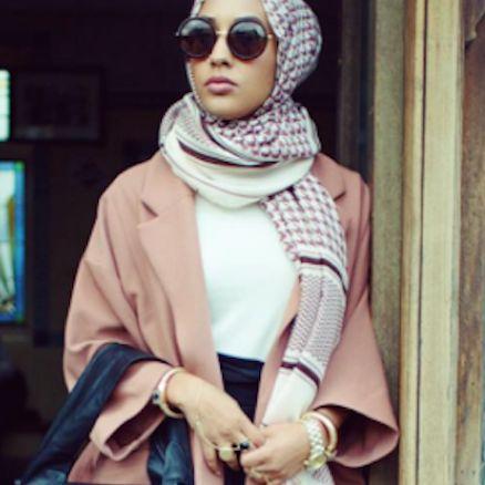 H&M: la modella con l' hijab per conquistare il mercato musulmano
