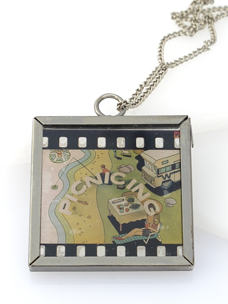 """""""It's a picnic!""""  Mini vintage film slide necklace.  when held in light this image appears... contact me for ordering...Image Appearances, Minis Dog Qu, Trav'Lin Lights, Film Sliding, Minis Vintage, Sliding Necklaces, Vintage Film"""