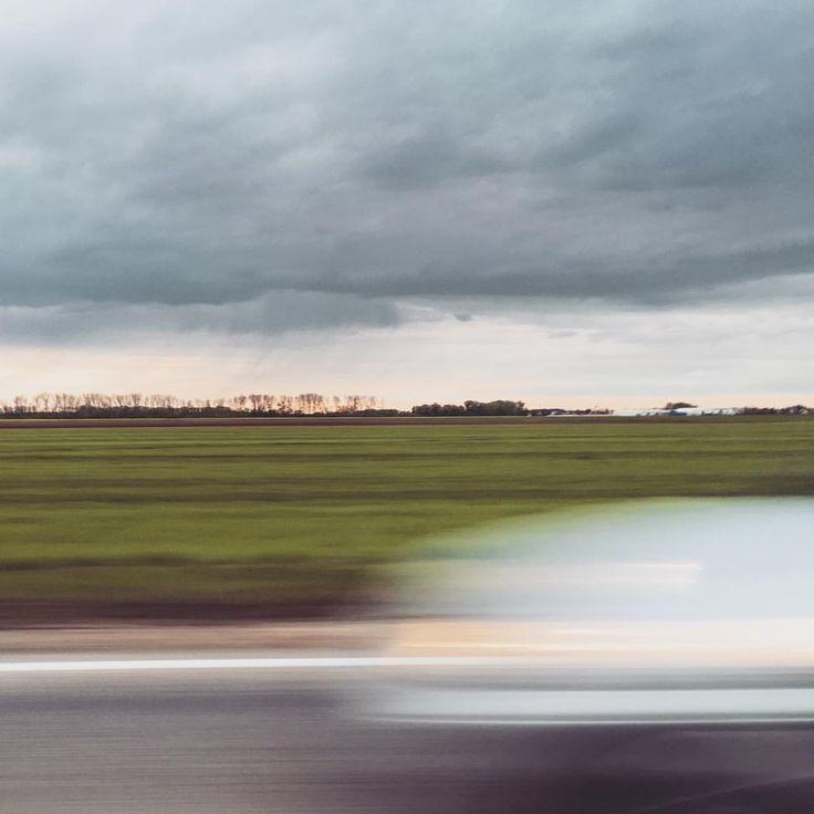 """267 kedvelés, 3 hozzászólás – AndrewBarasits (@andrewbarasits) Instagram-hozzászólása: """"#onmyway #trip #speedup #drive #fast #spirit #highway #highlife #nightdrive #musicon #storm #clouds…"""""""