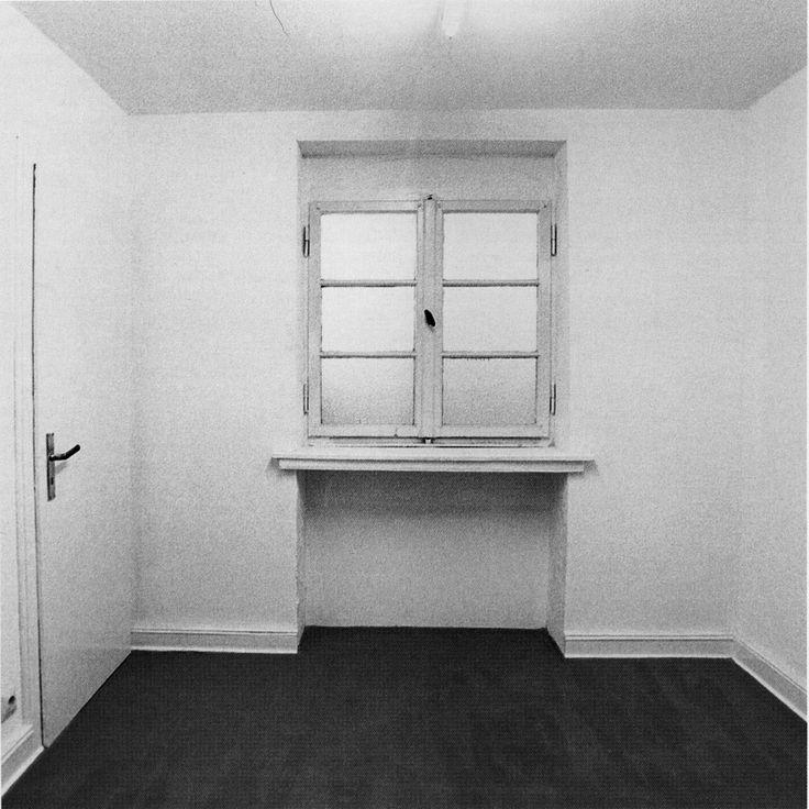 Gregor Schneider: Verdoppelter Raum, Haus u r (Rheydt), 1988