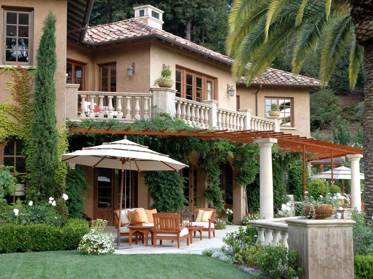 Pretty mountainside mediterranean villa kentfield california great kitchens pinterest - Houses with covered balconies ...