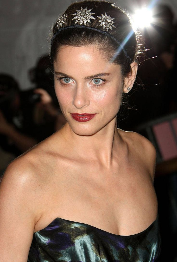 Fashion in the 2000s images amp pictures becuo - Amanda Peet Dark Lipstick Bright Eyes