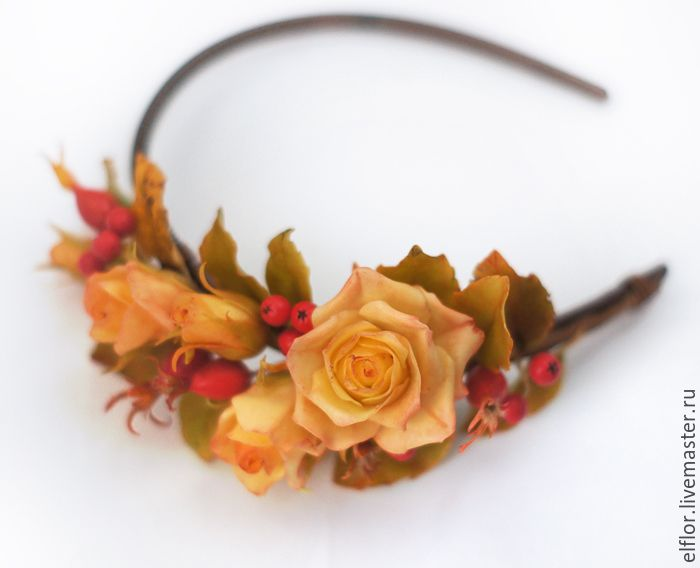 """Купить Ободок """"золотая осень"""" с розами, рябиной и шиповником - необычное украшение, осенние листья"""