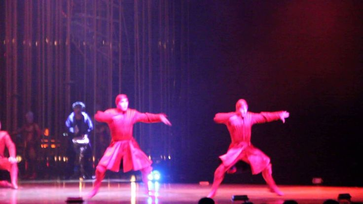 Грузинский танец! На шоу Varekai знаменитого Cirque du Soleil! #казань #...