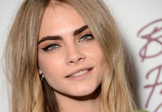 As sobrancelhas grossas e marcadas são a mais nova tendência. Saiba mais sobre essa verdadeira febre entre as famosas.