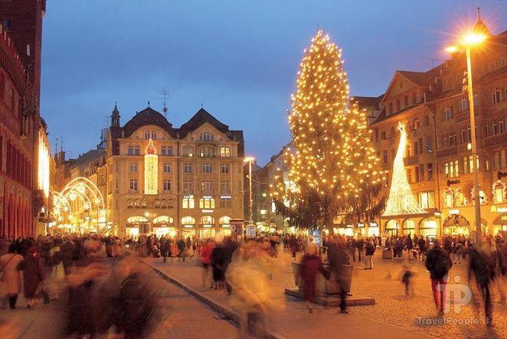 Piazza Barfüsserplatz - Basilea