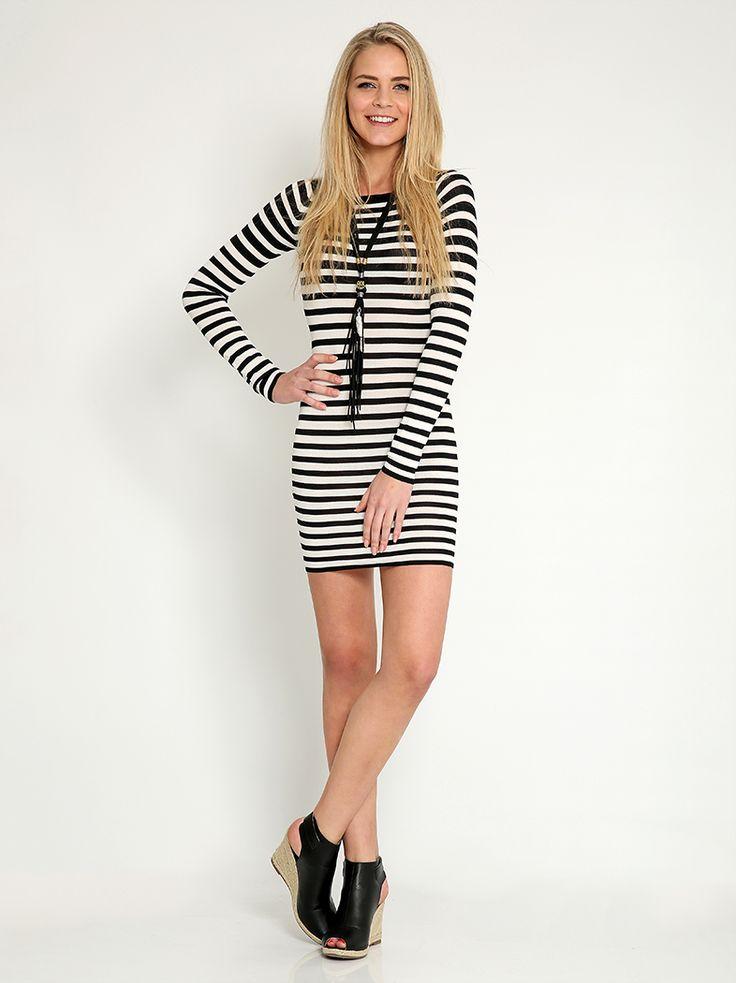 Ριγέ μίνι φόρεμα - 14,99 € - http://www.ilovesales.gr/shop/rige-mini-forema-2/