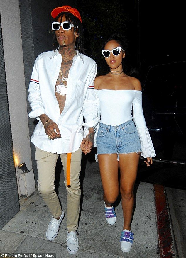 Wiz Khalifa Holds Hands With His Girlfriend During Date Night