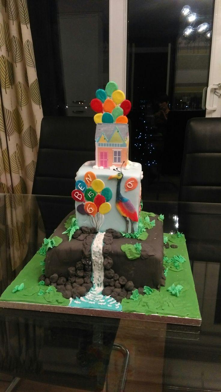 """disnet """"Up"""" cake"""