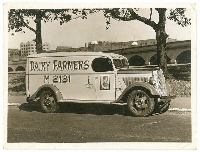 Dairy Farmers Milk: http://www.vintag.es/2013/09/vintage-trucks-and-advertising-in.html