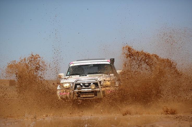 Passage dans la boue raid raidfeminin rallye 4x4 for 4x4 dans la boue