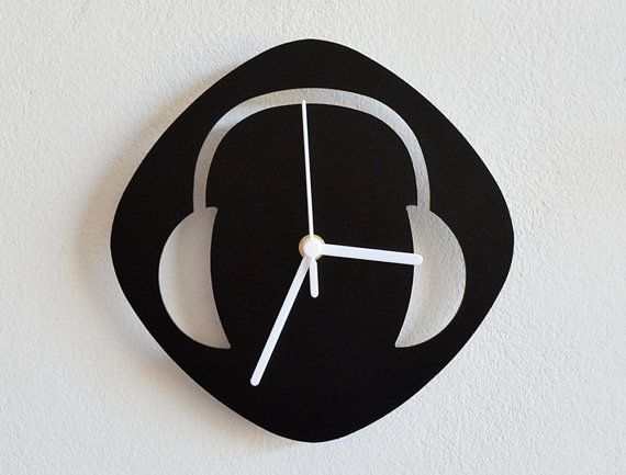 DJ Headphones - Wall Clock     http://www.etsy.com/listing/156345116/dj-headphones-wall-clock?ref=br_feed_29_feed_tlp=home-garden