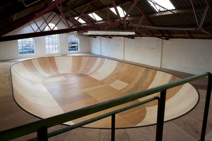 Bowl skateboard ramp by Benedict Radcliffe