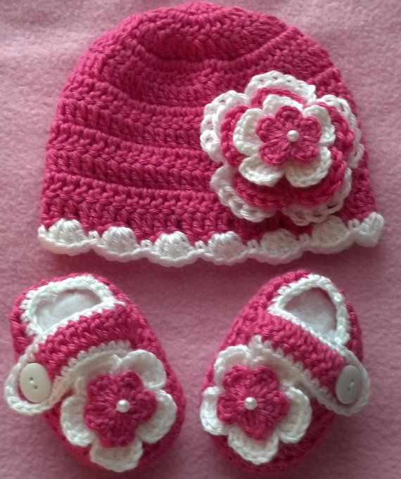 Baby Girl Crochet Booties and Hat  10019 MADE TO by babybear27129, $12.00