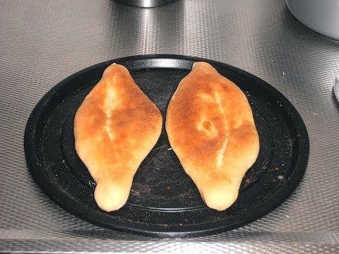 ▶ Make Iraqi bread (Sommun) at home كيفية عمل الخبز العراقي (صمّون حجري) في المنزل - YouTube