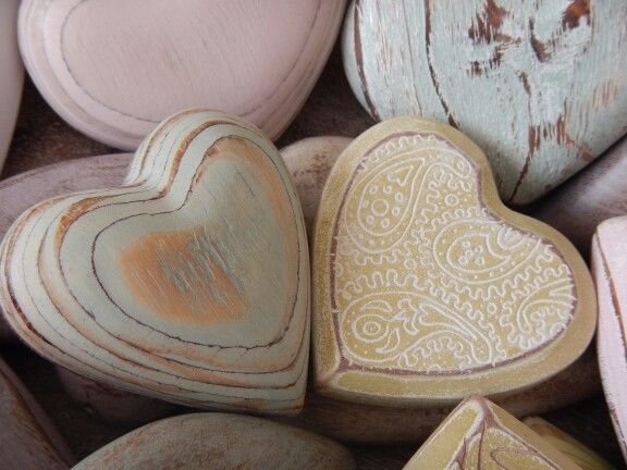 Degas designs: lovely wooden hearts. Just a touch of colour.