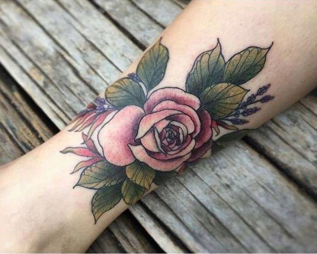 Ingryd Guimarães  - Conheça as Tattooistas, um grupo de tatuadoras brasileiras apaixonadas pela arte em todas as suas formas;