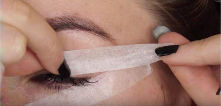 Όσες γυναίκες θέλουν να πετύχουν το τέλειο γατίσιο βλέμμα με eyeliner, γνωρίζουν πόση δεξιοτεχνία χρειάζεται. Μια διάσημη γκουρού αισθητικός, η Stephanie Lange, μας αποκαλύπτει μερικές χρήσιμες τεχνικές για να πετύχουμε το τέλειο μακιγιάζ ματιών. 1. Χρησιμοποιήστε κολλητική ταινία Σύμφωνα με … Όσες γυναίκες θέλουν να πετύχουν το τέλειο γατίσιο βλέμμα με eyeliner, γνωρίζουν πόση δεξιοτεχνία …
