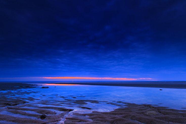 Supernal Ocean sunrise today from Nauset beach, Orleans, Massachusetts. Dapixara Today's photos from Cape Cod https://dapixara.com