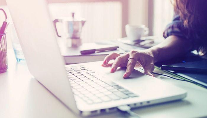 Buscar emprego não é uma tarefa fácil e envolve diversas atividades. Este artigo apresenta algumas dicas para facilitar o processo de recolocação.