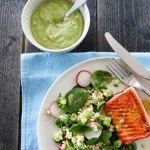 Pannestekt ørret med avokadokrem og couscoussalat