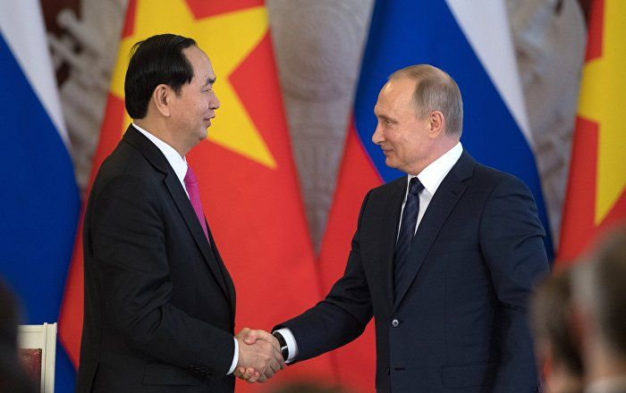Moscow and Hanoi agreed to deepen cooperation and expand the zone of exploration and production of oil and gas on the continental shelf of Vietnam in strict accordance with the UN Convention on the Law of the Sea of 1982, according to a statement following the talks between the presidents of Russia and Vietnam, Vladimir Putin and Tran Dai Quang.