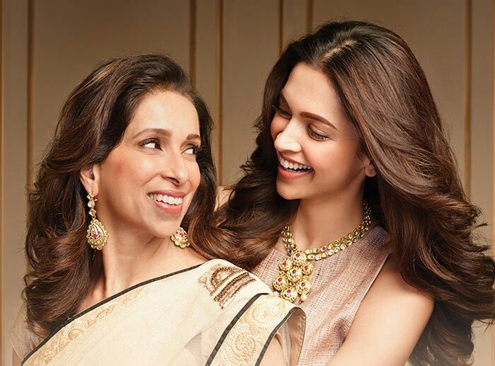 With Her Mom Deepika Padukone Mother Daughter Relationships Mother Daughter