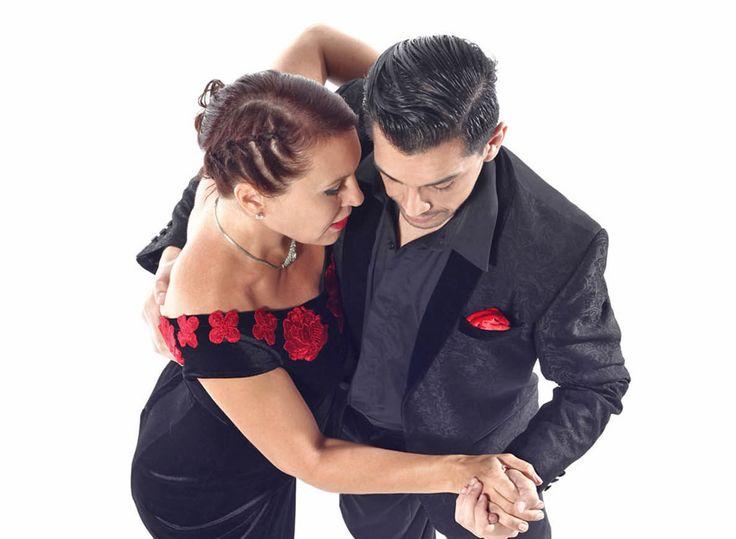 Vollmond Tango Basel 13 January 2018 with DJ Virulazo (Oliver Krstic). Dance performance by Corina De la Rosa and Alejandro Andrian. https://www.oliverkrstic.com/2017/12/08/vollmond-tango-in-basel-january-2018/