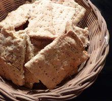 Knækbrød opskrift. En nem og sund opskrift til hjemmebagt knækbrød